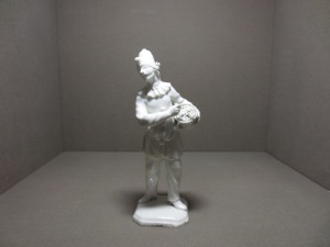 Pulcinella with Gnocchi - Austira, Vienna, State Factory, c. 1744-1750, Hard-paste porcelain, Modeller: unknown